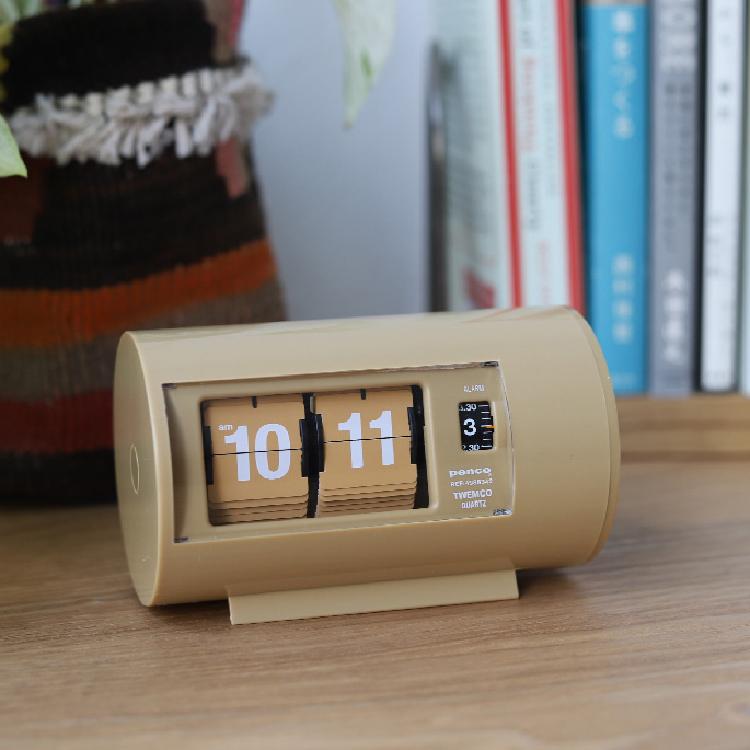 トゥウェンコのおしゃれな時計