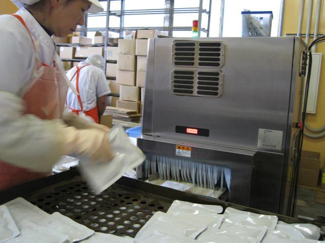 VACEL (バセル) 鶏砂肝角切りレトルト 50g - 8. 機械を通して、合格商品は「OK 良品」、不合格商品は「NG 異物」と表示され、大音量で警告されます。