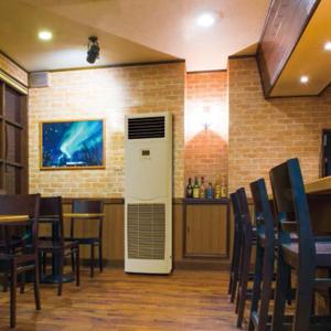 床置き形業務用エアコン