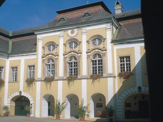 Schloss Gobelsburg(シュロスゴベルスブルグ)トラディッション 2品種飲み比べセット