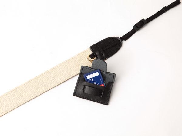 バイカラーと刺しゅうがおしゃれなストラップ3WC-LI102