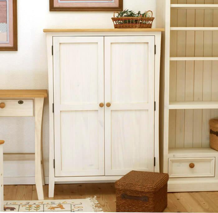 フレンチカントリー 無垢木製 木製扉 コンパクトな食器棚