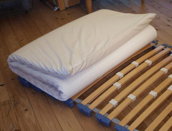 腰の痛みを和らげるラテックスマット