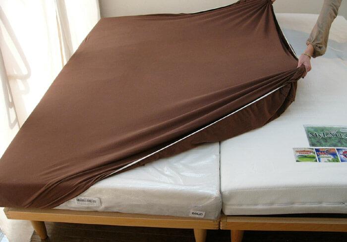 ワイドダブルベッド用ボックスシーツ キングサイズベッド用ボックスシーツ 2台ベッド用ボックスシーツ ブラウン色