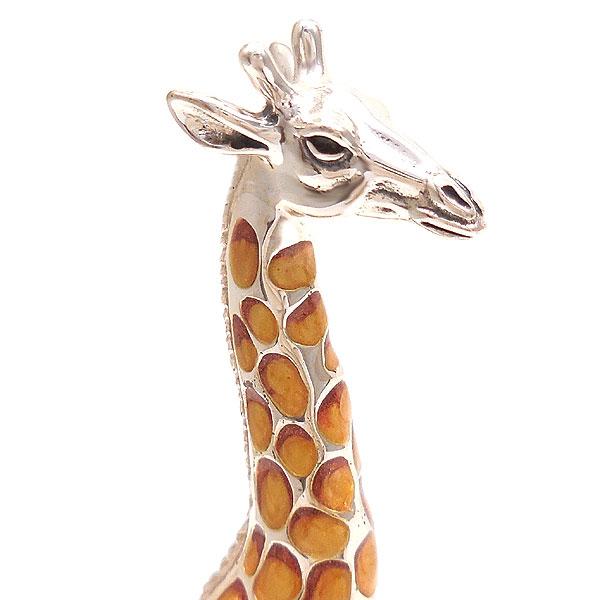 サツルノ:キリンの置き物