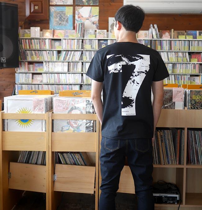 Time Limit タイムリミット UネックTシャツ BPGT 半袖 黒色 ブラック カットソー グラフィック 地球 7分 セブン メッセージ バックプリント カジュアル アメカジ