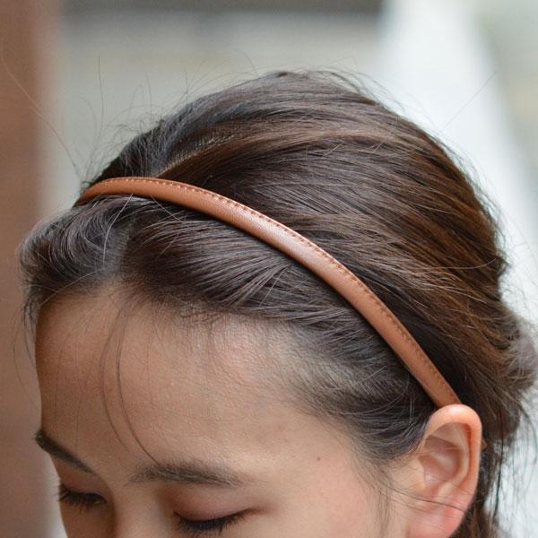 Jennifer Ouellette【ジェニファー オーレット】レザー細カチューシャ L29 Leather Skinny Headband English Tan ブラウン