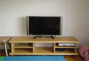 タモ無垢材テレビボード