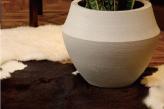 信楽の上品な鉢カバー