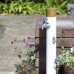 unアルブラン トーシンコーポレーション|水栓柱キッチン小物のようなナチュラルな空気感。木とホウロウの小物や北欧家具を連想させる風合い。