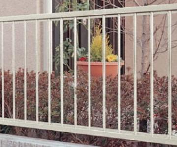 ハイサモア カラーリングはお好みに合わせて!用途としては、囲いでの使用に向いたフェンスとなります。