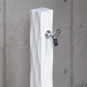 ウェーブ オンリーワンクラブ|水栓柱波のゆらぎをイメージした水栓柱。美しい陰影が空間を際立たせます。