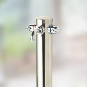 湯水混合水栓柱 オンリーワンクラブ|水栓柱凍てつく冬のガーデニング作業におすすめ。お庭でお湯を使うことができる便利な湯水混合栓です。