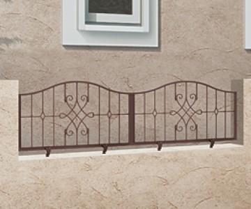アプローチ ルナフェンス 曲線や直線を、フェンス全体にめぐらせてデザインを描き出しました。門扉とのコーディネートでこだわりの欧風スタイルに。