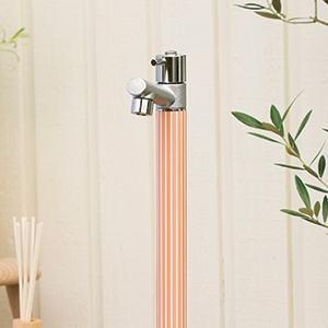 ジラーレモチーフW オンリーワンクラブ|水栓柱パステルカラー×ストライプ、爽やかテイストの水栓柱。ナチュラルな雰囲気のお庭にマッチします。