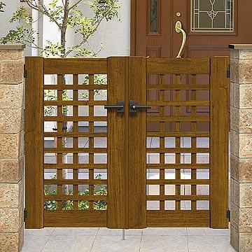 ガーデン倶楽部 シリーズ 木目調のやさしさが、住まいの印象をナチュラルに。デザインも豊富にラインアップ。木目調カラーでデザイン豊富なシリーズです。木目調のやさしさが、暮らしに潤いを与えます。ガーデニングにこだわる住まいの外構にもピッタリ。門扉には電気錠付タイプもご用意しています。