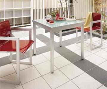 ファニチャー/その他 ガーデンルームやテラスやベランダで過ごす時間をより豊かに演出する、サイズや耐候性に配慮したテーブル・チェア・照明などのアイテムや、外構デザインをひきたてるモダンスタイルの収納庫をご紹介します。