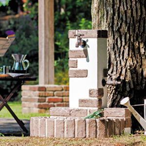 レトロブリックタイプ ニッコーエクステリア|水栓柱風合いのあるレンガを模したデザインでお庭をおしゃれに演出します。