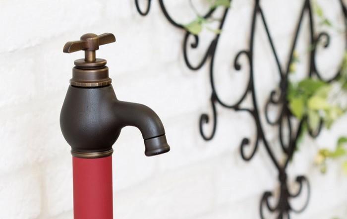 新商品 トーシンコーポレーション|水栓柱ガーデンをスタイリッシュに演出する多彩なカラーバリエーション、シンプルでスマートなフォルムが特徴