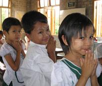 ミャンマー少年少女