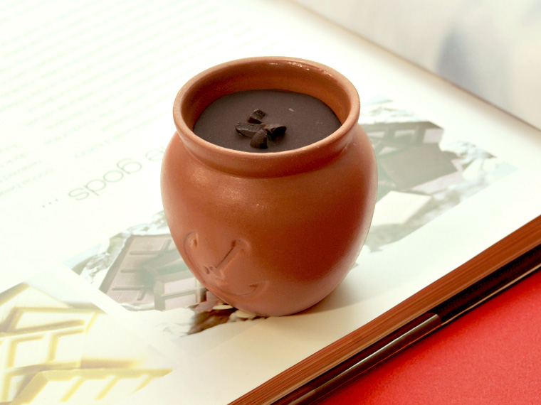 ギフトには神戸フランツ 魔法の壷プリン・ショコラ