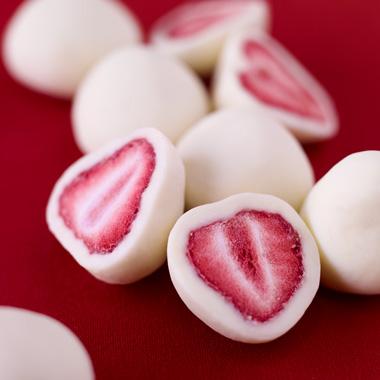 对酸甜草莓是クーベルチュールチョコレート