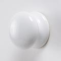 磁器製の白いツマミ