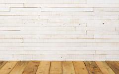 厚み10mmの無垢古材薄板。かすれた白ペンキ仕上げ。