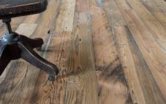 幅広の無垢古材フローリング。店舗内装やリノベーションに。