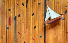 アメリカの学校の体育館で実際に使われていた古材フローリング。