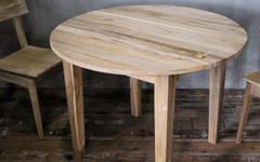 直径100cm、無垢木材の丸テーブル。ダイニングやリビングに。