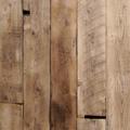 古材のサイズと表面を整えたオリジナル板材