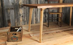 無垢木製のテーブル脚4本セット。diyのダイニングテーブルに。