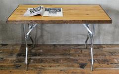 アメリカ製の折りたたみ式テーブル脚。デスクやテーブルに。