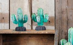 GALLUPオリジナル。手作りの木彫り置物、アンティーク調のサボテン小。