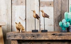 GALLUPオリジナル。手作りの木彫り置物、アンティーク調のハチドリ。