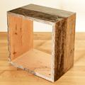 古材のパイン材を使用したウッドシェルフ