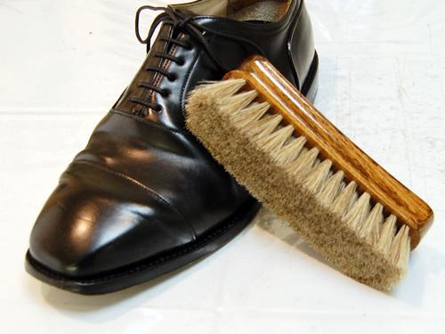 ブラッシング[靴の磨き方]