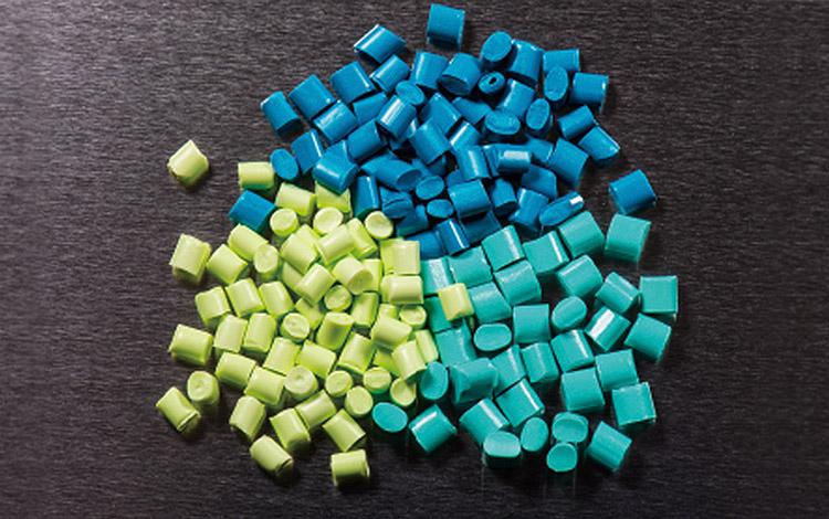 水の使用を最小限に抑えたECOな染色を採用