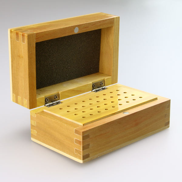 スピンブレード用 木製ビットケース 光沢 フタを開けた状態