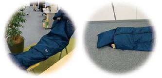 3Mシンサレート災害用スリーピングバッグ(寝袋)フード付きだからプライバシーにも配慮    暖かく薄いので椅子に座りながら、また床にと、どんな場所でも眠れます。