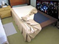 ホテルのベッドスカートのメイク方法