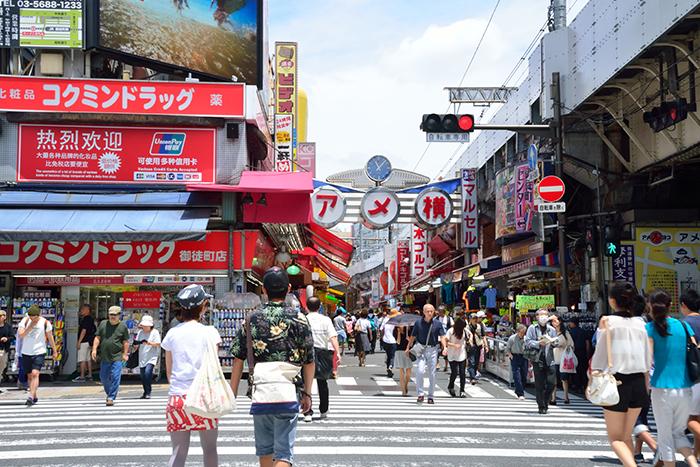 アメ横入り口(JR御徒町駅側)