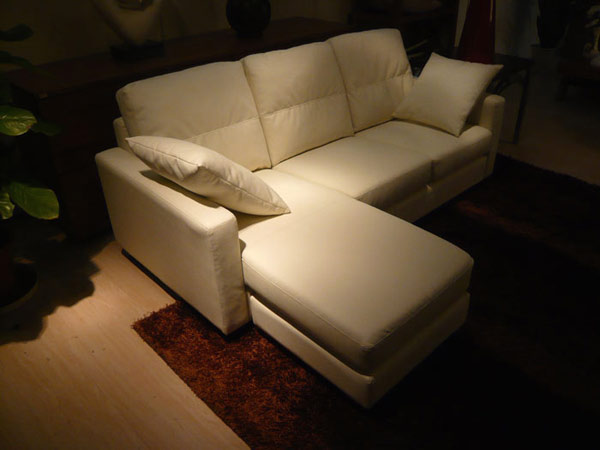 COMPACT COUCHTYPE SOFA