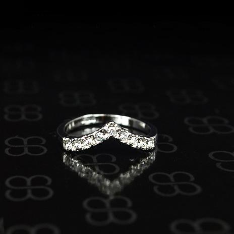 【返品保証】V字 リング 指輪 スワロフスキー K18 18金GP 18k レディース 誕生日 プレゼント メール便OK モモダイヤ【送料無料】