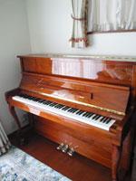 東洋ピアノ V116W
