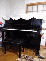 ヤマハピアノ UX30A