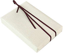 http://www.rakuten.ne.jp/gold/mokko-ya/images/contents/guide/wrapping/wrapping-white.jpg
