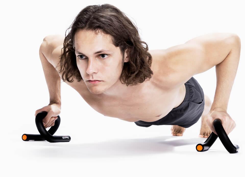 Push Up Bar トレーニングの基本となる腕立て伏せを、より効果的に。
