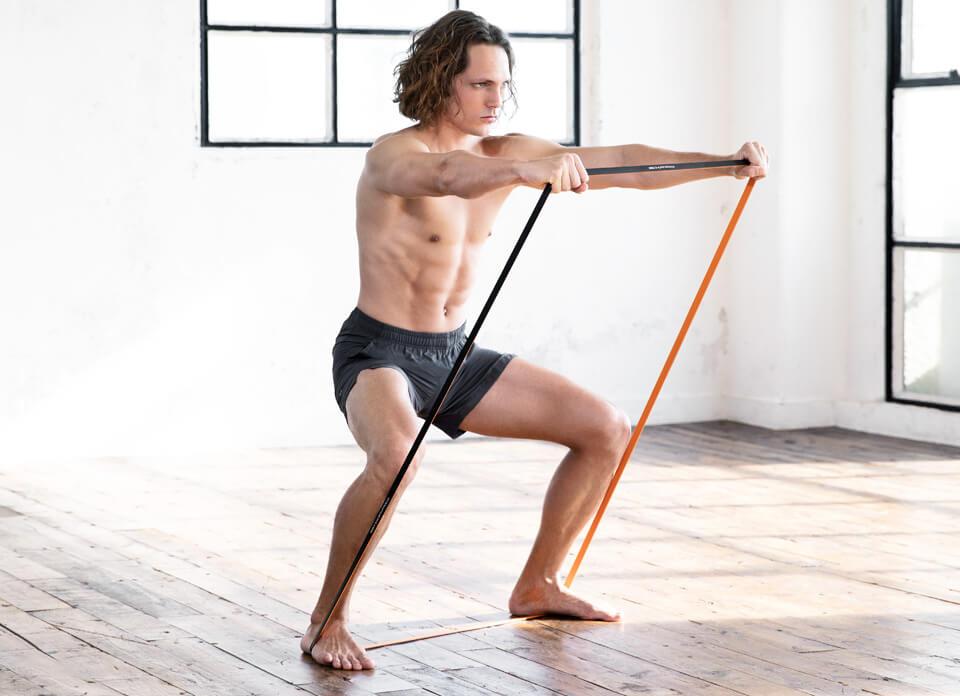 Training Band ゴムの反発を利用して、手軽で効果的な筋肉トレーニングをサポート。